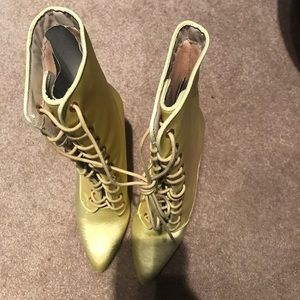 High heal women boots